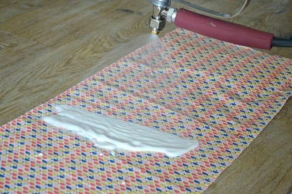 Encollage de tissu avec le JETCOL