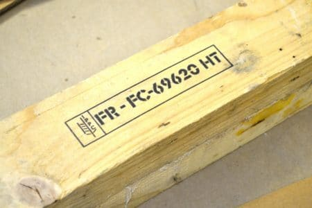 Marquage NIMP15 sur emballage bois