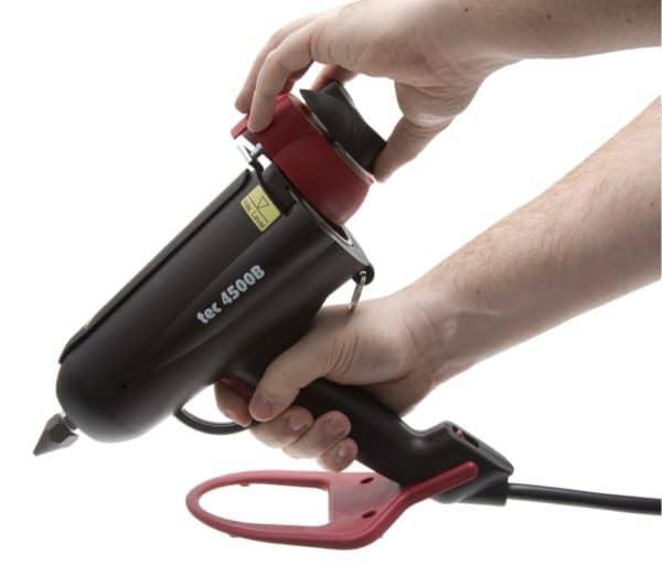 Ouverture chambre de chauffe du pistolet à colle TEC4500