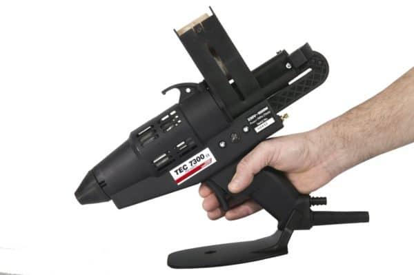 Prise en main du pistolet à colle TEC7300
