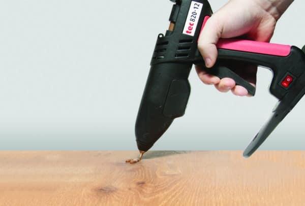 Pistolet à colle 11mm TEC820 rebouchage de noeuds dans le bois
